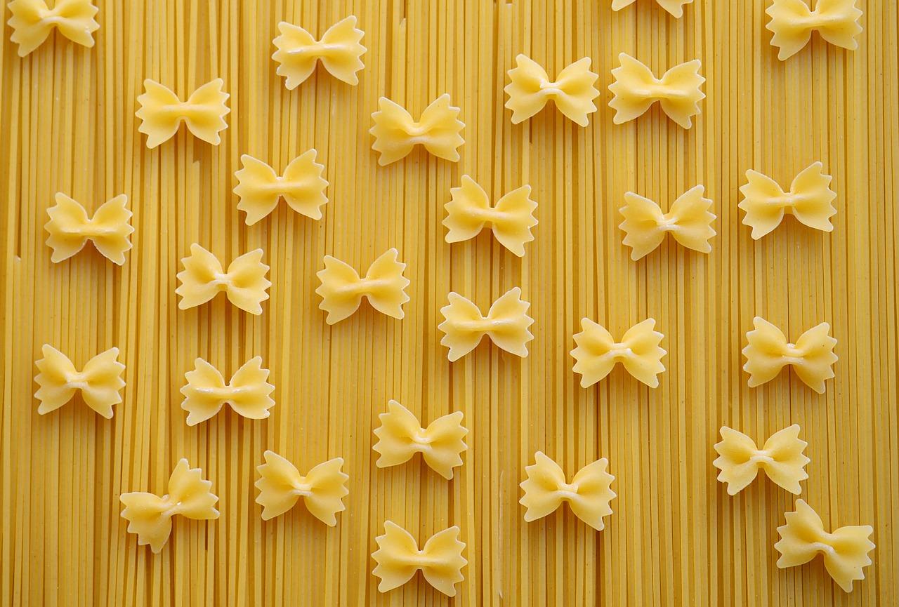 zelf farfalle pasta maken