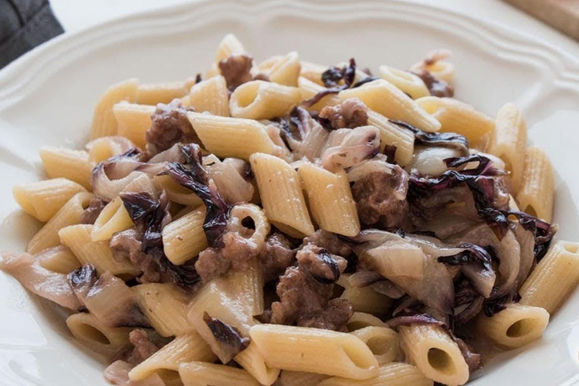 pasta-met-worst-en-raddicchio
