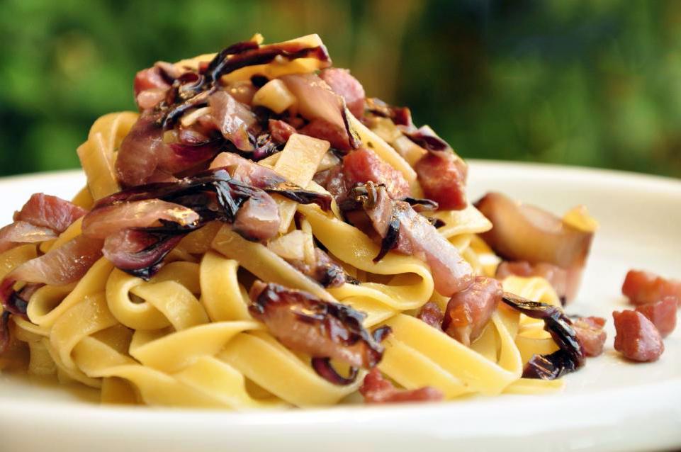tagliatelle-radicchio-pancetta